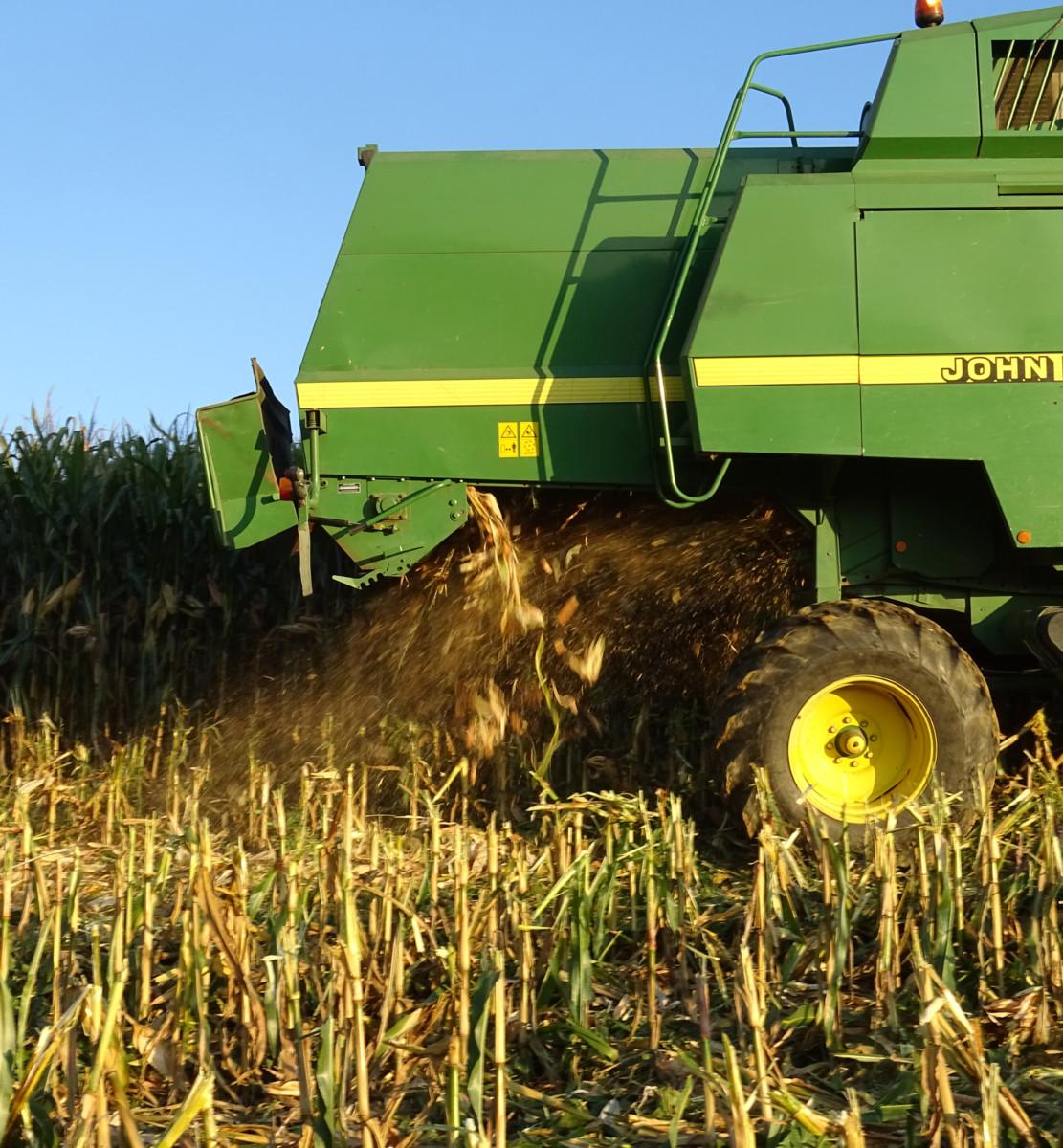 Tobrabauer-Landwirtschaft-Maschinen-Drescher